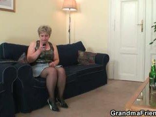 Καυλωμένος/η γιαγιά takes two cocks στο μια φορά