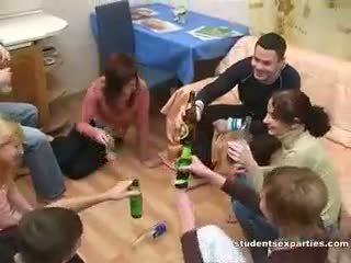 Borracha sexo fiesta siempre leads a sucio orgía
