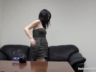 Gravid jente rumpe knullet av fake casting agent