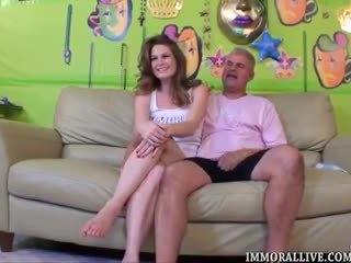 Allison moore gets sie riesig titten covered im samenplasma
