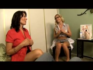 Voyeur: therapist instructs māte