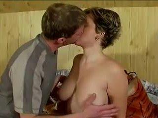 Nice Tits Cum Kiss: Free Amateur Porn Video 0b