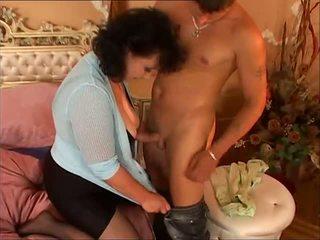Peluda madura sirvienta tries trío, gratis porno 01