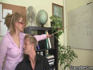 Sleaze ofis screwing not far from garry female