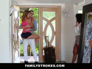 Familystrokes - colegiu bro cums acasă pentru excitat sis <span class=duration>- 10 min</span>