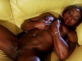 Черни muscle female masturbate видео