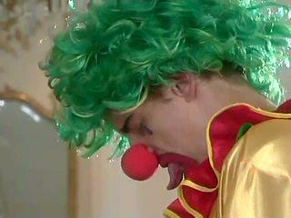 Julia ashton analized de clowns
