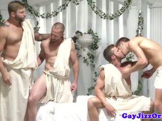 Homo groep orgie dudes aftrekken af bij zelfde tijd