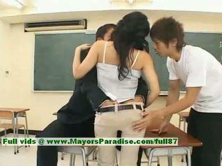 Sora aoi innocent seksikäs japanilainen opiskelija on getting perseestä
