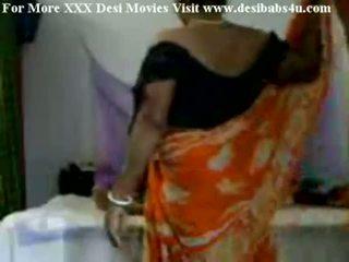 Indisch dorf aunty ficken mit nieghbour peon