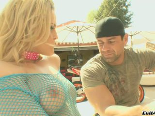 Awesome marco banderas, alexis texas play pagtatalik laro here without a stitch sa