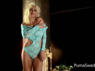 Europees blondine puma swede gets cums van roze dildo!