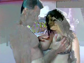 Roliço gal licks e sucks till ele drips. sexy gordinhos parte 1