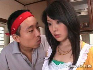 アジアの housekeeper gets セクシー assets teased バイ 角質 guy
