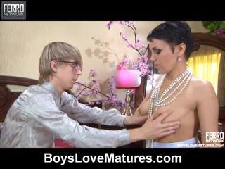 Смесвам на vids от boys любов отлежава