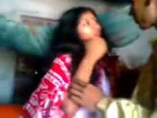Indien newly marié guy trying zabardasti à femme très timide