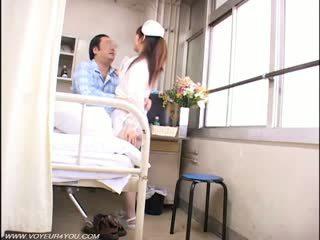 여자 간호사 과 늙은 farts 뱃사공 섹스