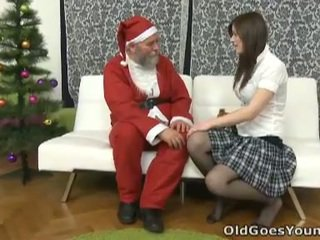老 santa clause gives 年輕 青少年 一 gift