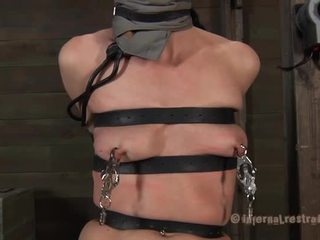 Taming een lusty gagged babe