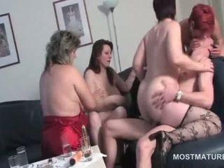 grupu sekss, vecenīte, masturbācija