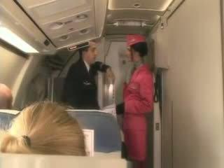 Pirang stewardess
