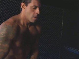 En bela e o prisioneiro (2004)
