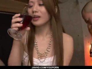 Kazumi nanase feels niekoľko men jebanie ju cherry