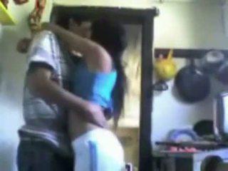 Violacion en la cocina un mexicana pendeja ver completo aqui http://sh.st/fnk1m