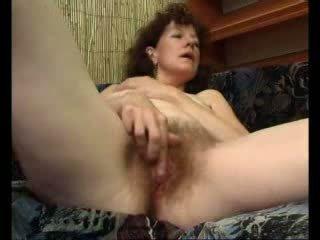 Loose मां teases उसकी swollen क्लिट