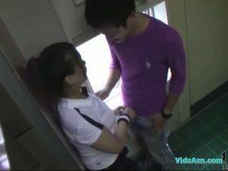 Ázsiai lány -ban edzés ruha szopás fasz licked és fingered szar -től mögött -ban a toilette
