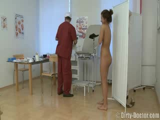 babe perverted by a gynecologist