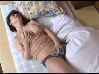 Japoniškas mama masturbacija po žiūrėjimas porno video