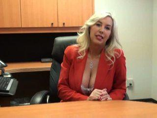 Seksi babe kacau di pekerjaan wawancara video