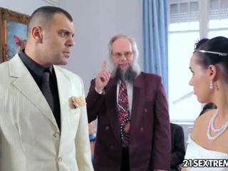 Scandalous งานแต่งงาน