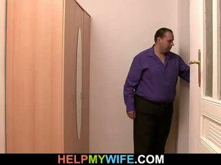 Delivery berniukas yra paid į svaras jaunas žmona