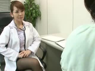 レズビアン gynecologist 2 パート 1