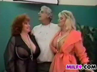 葡萄收获期 女女男 三人行 同 成熟 女