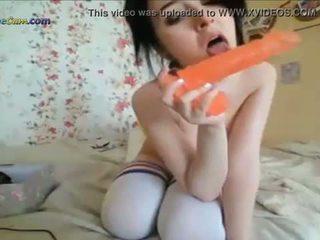Blonde Nympho Kayden Rubs Her Clit For Camera - www.1freecam.com