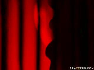 Sarkans gaisma burleskas