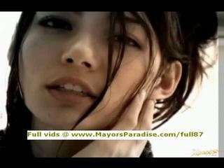 Tina yuzuki innocent 中國的 女孩 口交 和 gets cumshoot