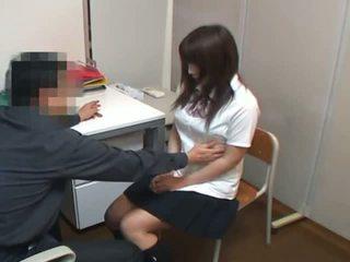 Stealing skolniece sekss atriebība