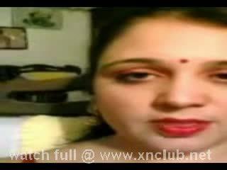 Desi aunty in porn video