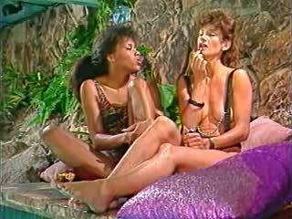 grupu sekss, lesbietes, vīnogu raža