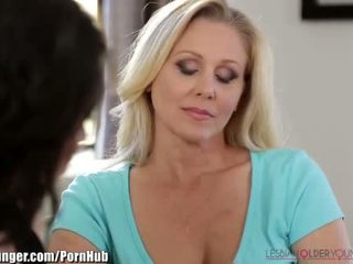 Lesbianolderyounger julia ann scissors pusaudze