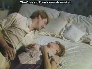 Grande cazzo inda pelosa fica in porno retro film