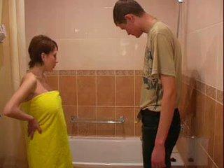 veľké prsia, tehotná, kúpeľňa