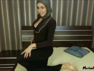 Arab hijab 女の子 needs コック