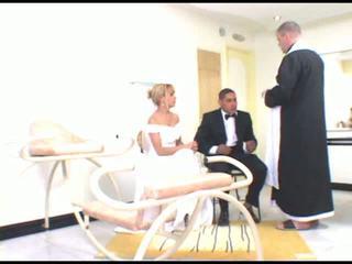 Pirmais kāzas jāšanās