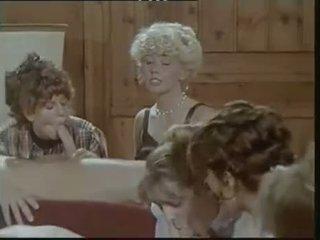 Das lustschloss der josefine mutzenbacher (1986) одягнена жінка голий чоловік сцена