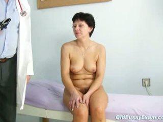 Rijpere vrouw eva visits gyno dokter naar krijgen gyno ex